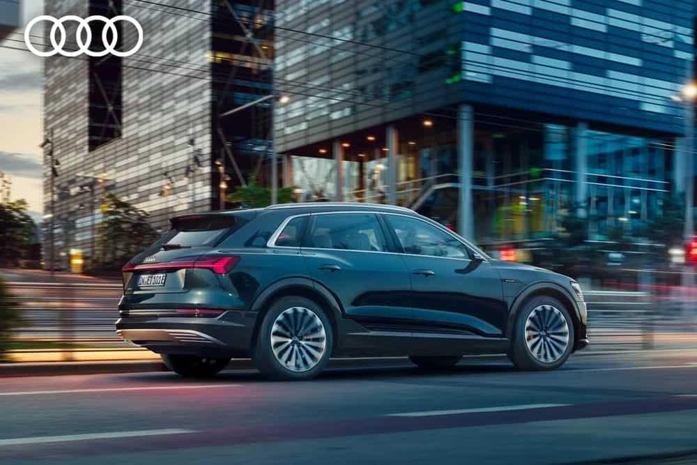 Onlinetool zur Reservierung des Audi e-tron // AUDI